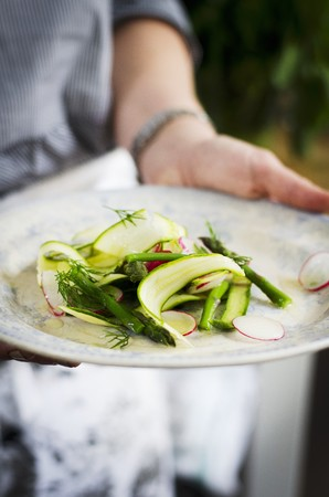 Radish, cougestte, asparagus and dill salald