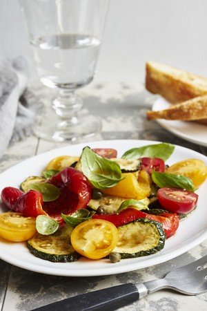 Vegetable antipasti salad with basil LANG_EVOIMAGES