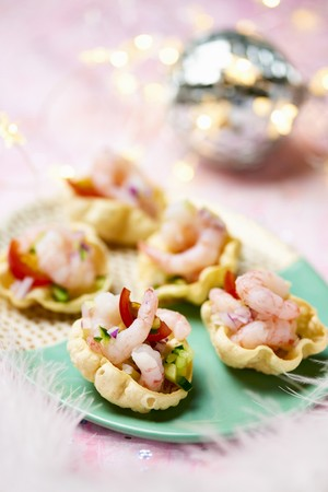 Shrimp canapes for Christmas LANG_EVOIMAGES
