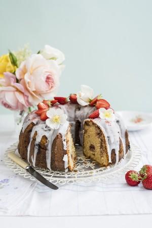 gateau: Stawberry bundt cake LANG_EVOIMAGES