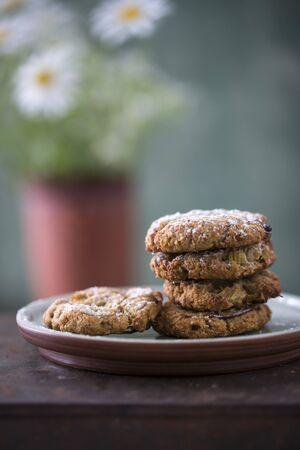 Rhubarb and oat cookies (vegan)