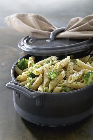 Penne with broccoli and cheese