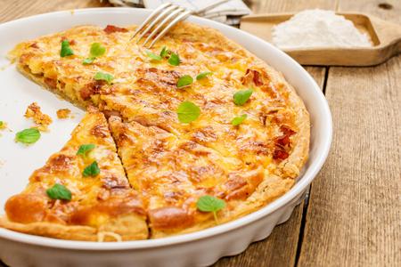 Cucina francese tradizionale con formaggio e cipolla