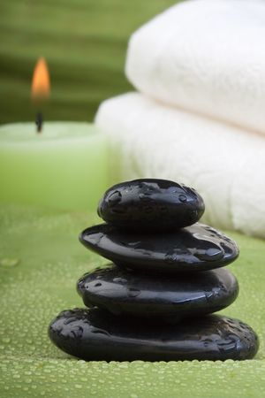 thermotherapy: hotstones, candles and towel on banana leaves (3)