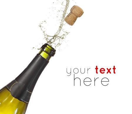 corcho: Botella de champán haciendo estallar su corcho y chapoteando