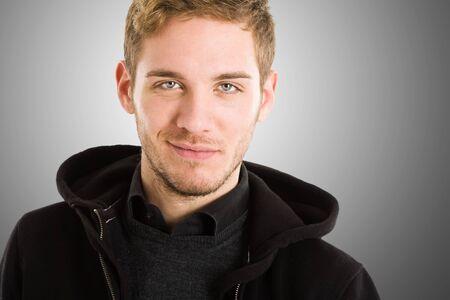blonde yeux bleus: Mode portrait d'un beau mec