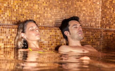 thermal: Young couple relaxing in a spa