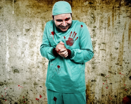 the kills: Crazy surgeon waiting for a new patient