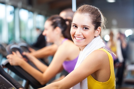 cardio fitness: Woman training in a fitness club