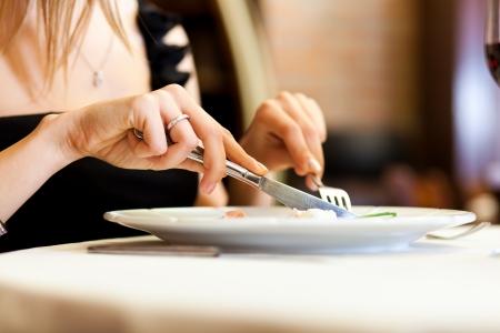 dinner date: Couple having dinner in a restaurant