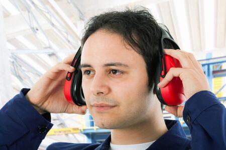 protectors: Worker wearing ear protectors