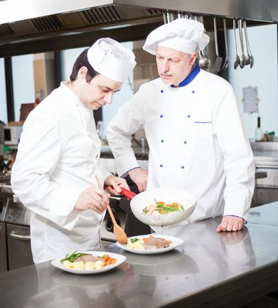 traineeship: Chefs working in a kitchen