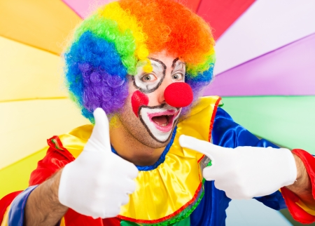 vibrance: Clown giving thumbs up