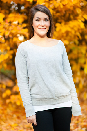 Young woman in an autumnal environment  photo