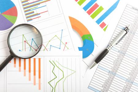 recursos financieros: Documentos de negocios de fondo Foto de archivo