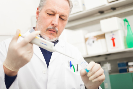 drug test: Scientist at work in a laboratory