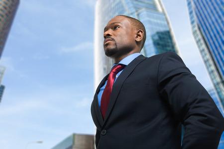Porträt einer schönen Geschäftsmann zuversichtlich, Standard-Bild