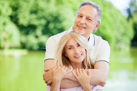 Happy couple at the park 免版税图像 - 61821511
