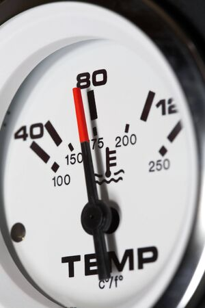 celcius: Temperature gauge of a diesel engine.