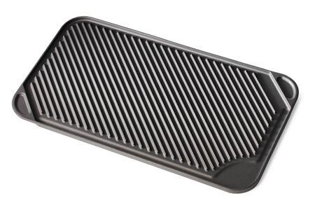 antiaderente: Piano cottura con griglia padella antiaderente superficie ceramica isolato su bianco con ombre naturali.