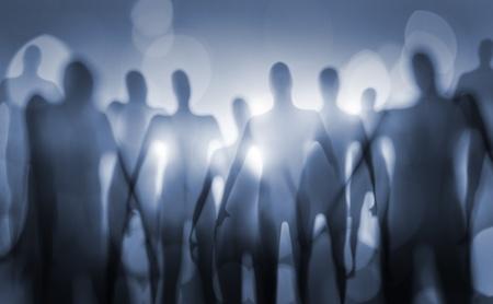paranoia: Un'immagine sfocata di incubo esseri alieni.