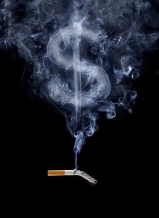 signo pesos: Cigarrillos de humo con forma de signo de d�lar.