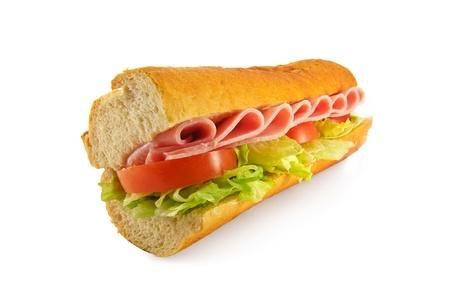 meuleuse: Un sandwich fait maison avec un de la salade de jambon obturations plus populaire, fait avec une baguette de pain fra�chement sorti du four fran�aises Banque d'images