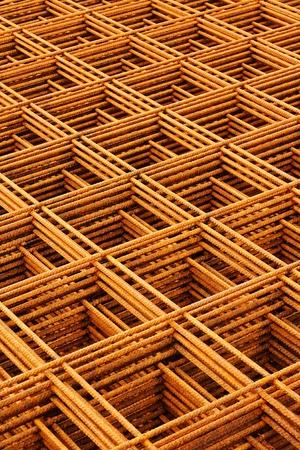 malla metalica: malla soldada de alambre apiladas crear abstracto industrial o formaci?n en ingenier?a Foto de archivo