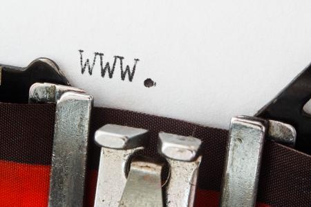 the typewriter: World Wide Web prefijo www en una m�quina de escribir vintage, gran concepto para los nuevos sitios web o art�culos de prensa que implica algo que ver con el internet