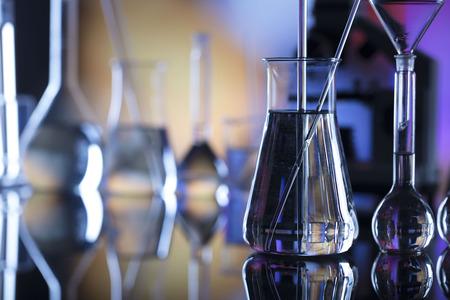 Fundo do conceito de ciência. Composição de vidro de laboratório. Foto de archivo - 93712747