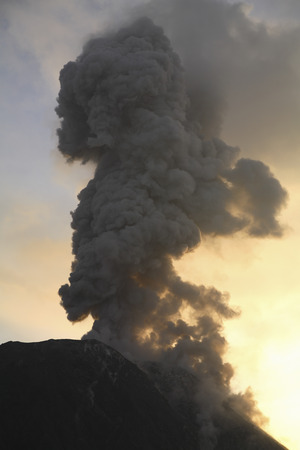 rock formation: December 14, 2005 - Santiaguito eruption, Guatemala.