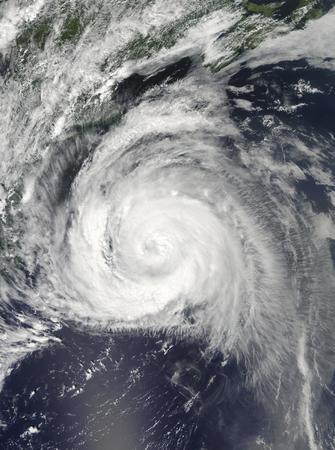 spiraling: Hurricane Bill off the East Coast LANG_EVOIMAGES