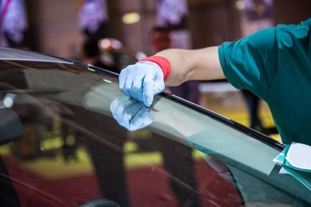 車のフロント ガラスの修復する効果的な手法 写真素材