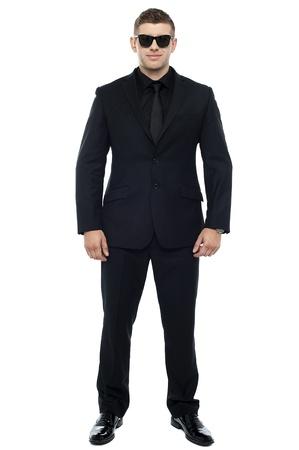 garde corps: Image sur toute la longueur du personnel de s�curit� intelligents isol� sur blanc