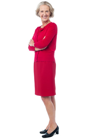 mujer sola: Hermosa mujer atractiva de mediana edad posando en estilo Foto de archivo