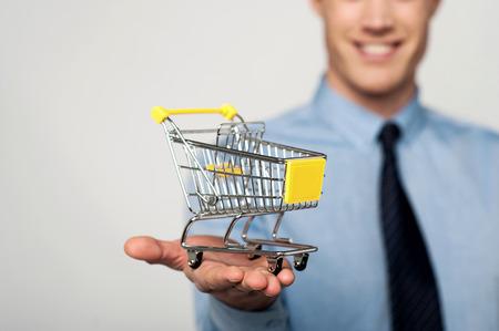 Nehmen Sie Ihr Unternehmen auf E-Commerce-Ebene.