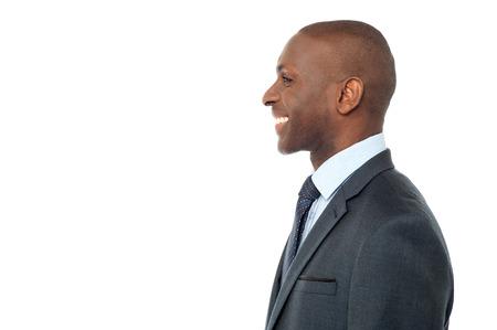 side pose: Actitud lateral del smart media ejecutivo de negocios de edad Foto de archivo