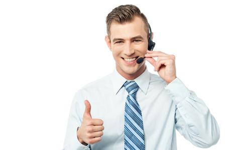 電話での顧客サポートの幹部を笑顔