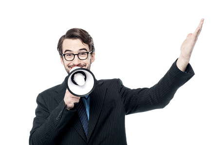 loudhailer: Hombre de negocios con meg�fono y aparecer