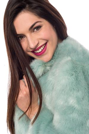 manteau de fourrure: Belle femme avec le manteau de fourrure de luxe