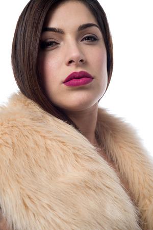 bontjas: Mooie trendy vrouw in luxe bontjas