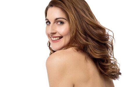 cuerpos desnudos: Mujer mostrando su espalda, la piel suave.