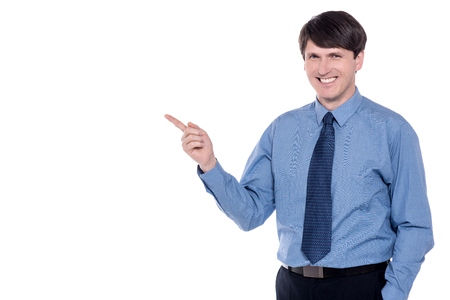 dedo �ndice: Negocios que se�ala su dedo �ndice en espacio de la copia