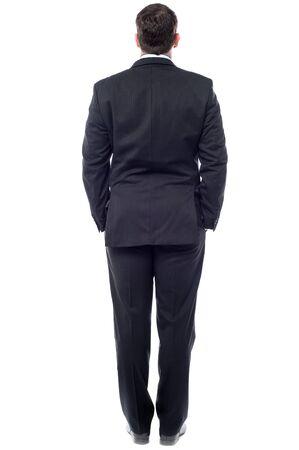 Vue arrière d'un homme d'affaires
