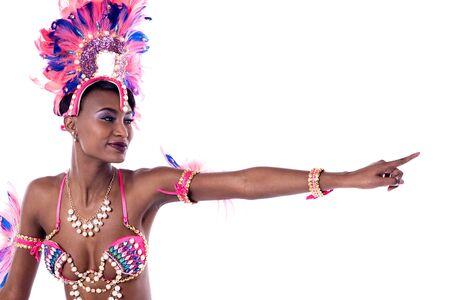 dedo indice: el dedo índice africano bailarina que apunta a la copia espacio Alegre
