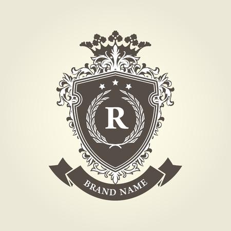 中世王室紋章付き外衣の王冠および月桂樹の花輪とシールド