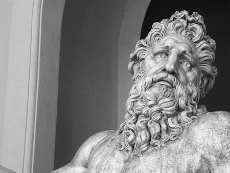 zeus: Zeus statue