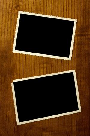 bordure vieille photo: Cadre photo vintage sur bois planck