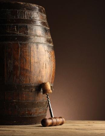 corkscrew: corkscrew and wooden barrel