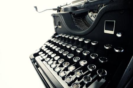 typewriter: cerca de la máquina de escribir vieja vintage